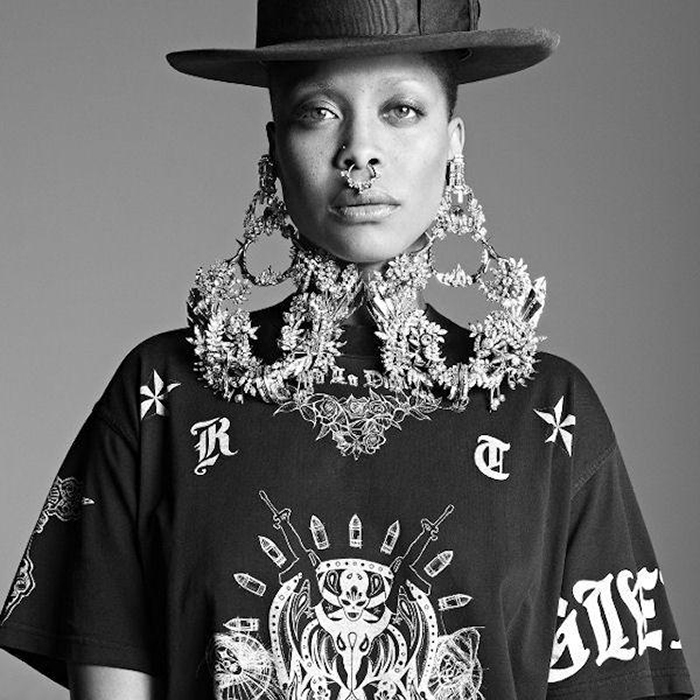 erykah-badu-models-2014-givenchy-collection