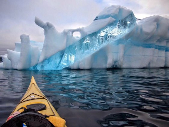 amazing-iceberg-in-newfoundland